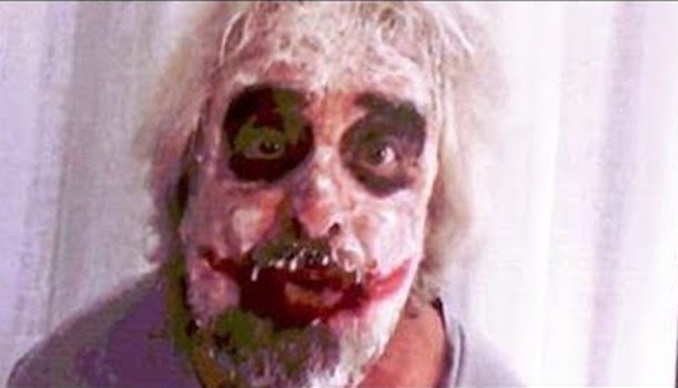 Risultati immagini per grillo maschera  joker