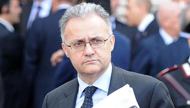 85a8db8fc Ed è proprio in quest'ultima veste che Mario Mauro si rivela uno dei più  accesi sostenitori della stabilità di governo. Secondo Mauro, infatti, se  fosse ...